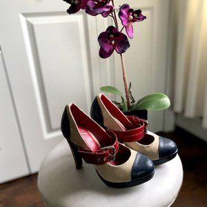 Charles David Mary Jane Heels  Size 5